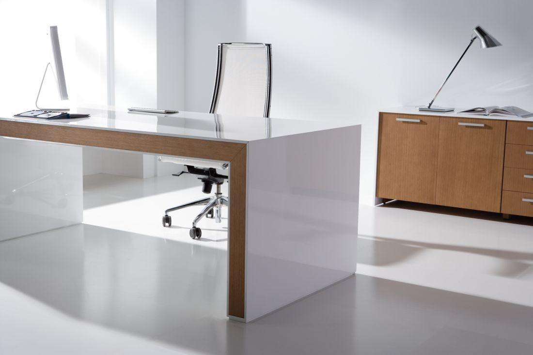 Mesas de oficina de alta gama belesa demoestudio for Mobiliario de oficina en cordoba