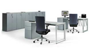 dos mesas de oficina