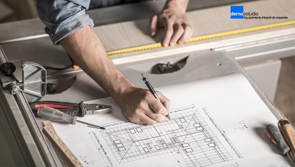 La importancia de escoger un mobiliario a medida para oficinas
