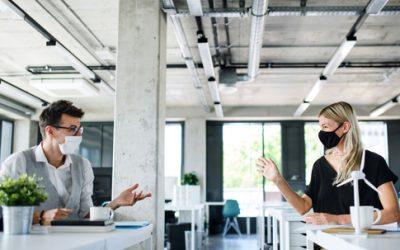 ¿Mamparas en tu oficina? Descubre sus beneficios
